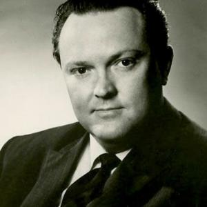 Cornell MacNeil